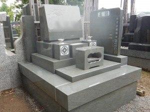 大トロの墓石