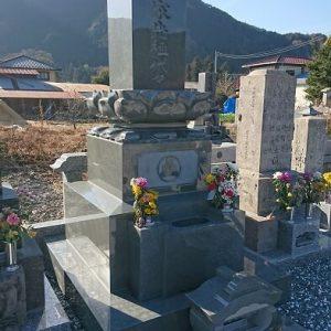 墓石 本小松石和型墓石 上限蓮華付 栃木県鹿沼市 2018041101
