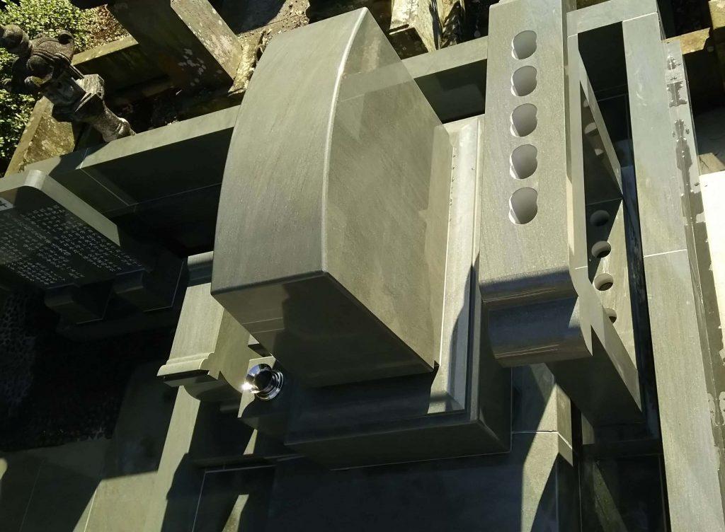 建立例:96 総本小松石 洋型墓石(神奈川県 厚木市)11
