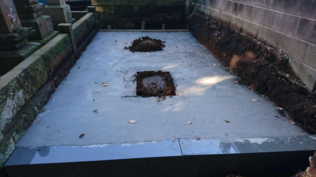総本小松石 洋型墓石(特大)が完成。(基礎工事の様子 №2)3