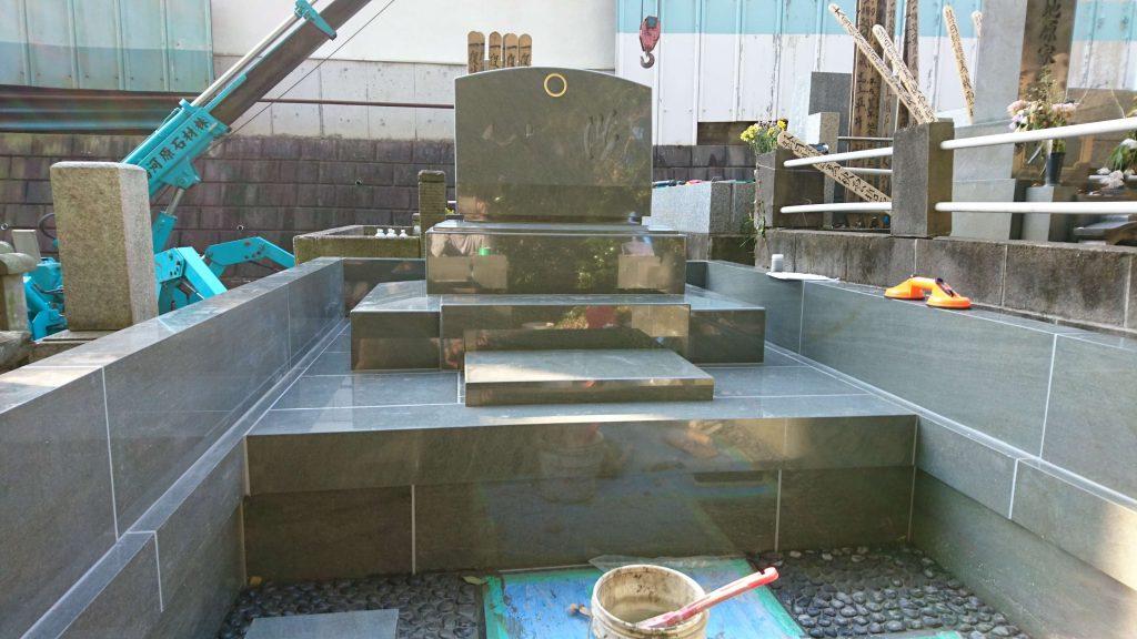 総本小松石 洋型墓石(特大)が完成。(基礎工事の様子 №2)17