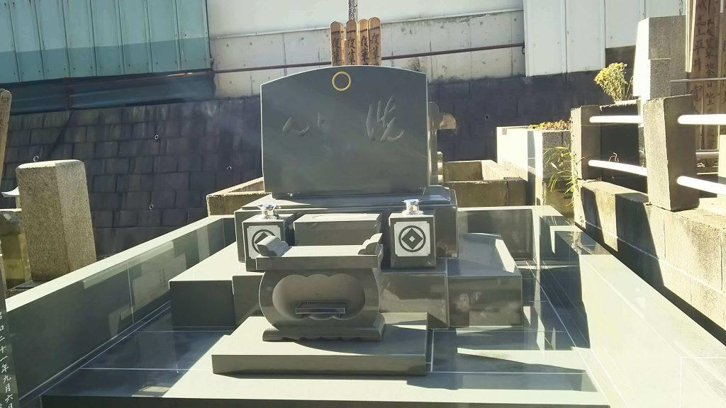 総本小松石 洋型墓石(特大)が完成。(基礎工事の様子 №2)5