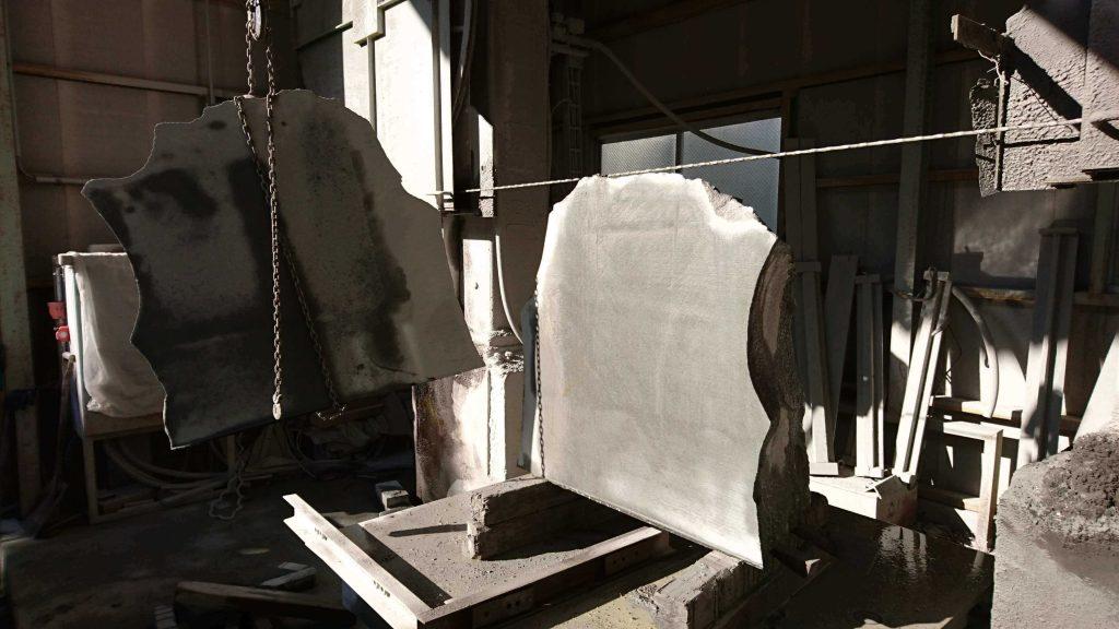 本小松石 極上大トロ材使用の記念碑の製作13