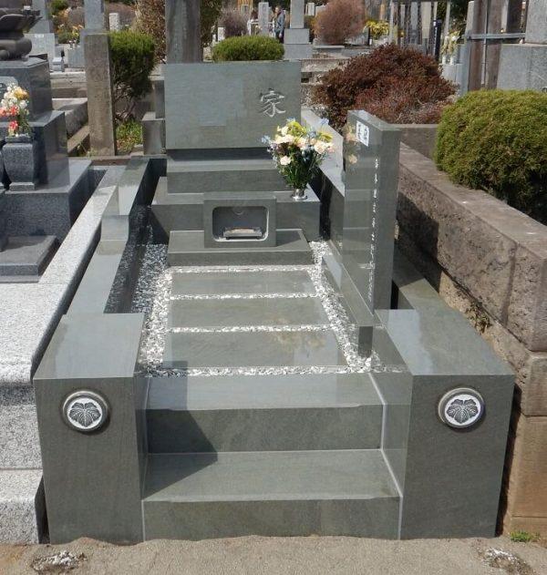 多磨霊園 墓石 本小松石