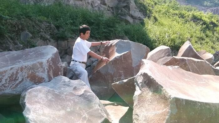 本小松石墓石 丁場(採石場)3