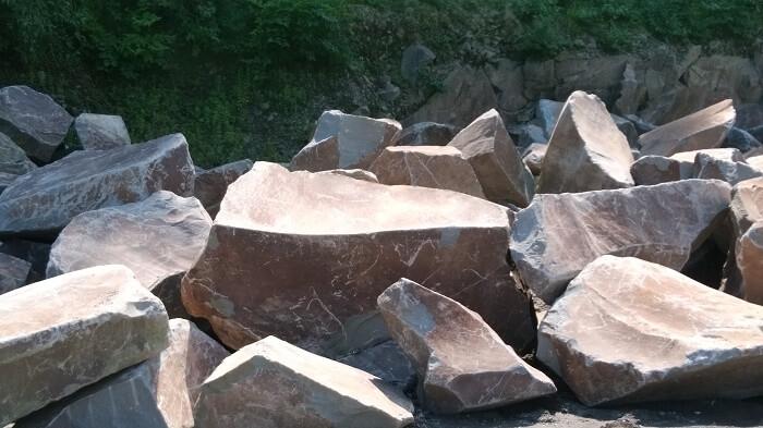 本小松石墓石 本小松石の丁場(採石場)5