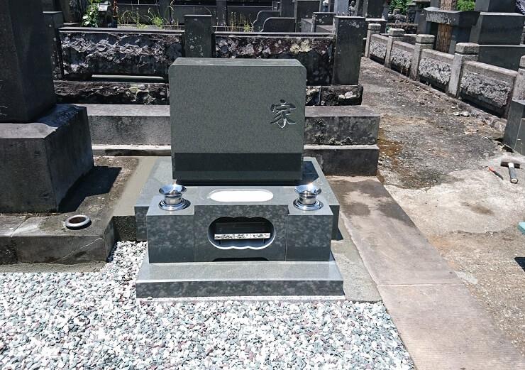本小松石墓石 洋型墓石 神奈川県1