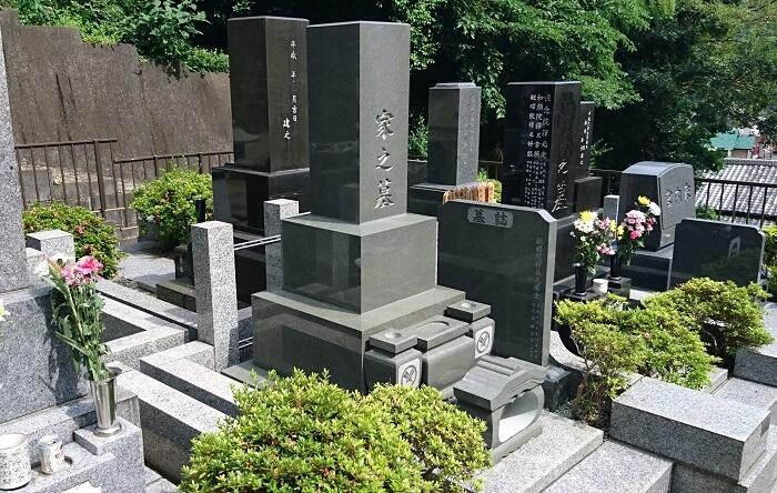 本小松石 和型墓石 高級型 9寸角 2
