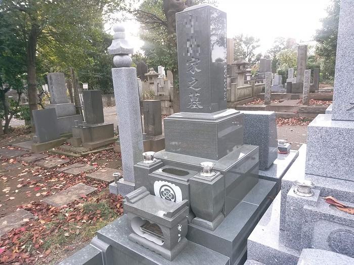総本小松石 和型墓石(高級型・銀杏面加工・8寸角) 谷中霊園