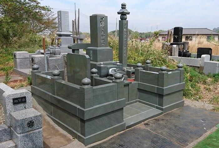 本小松石墓石 和型墓石 五輪塔 2018042901