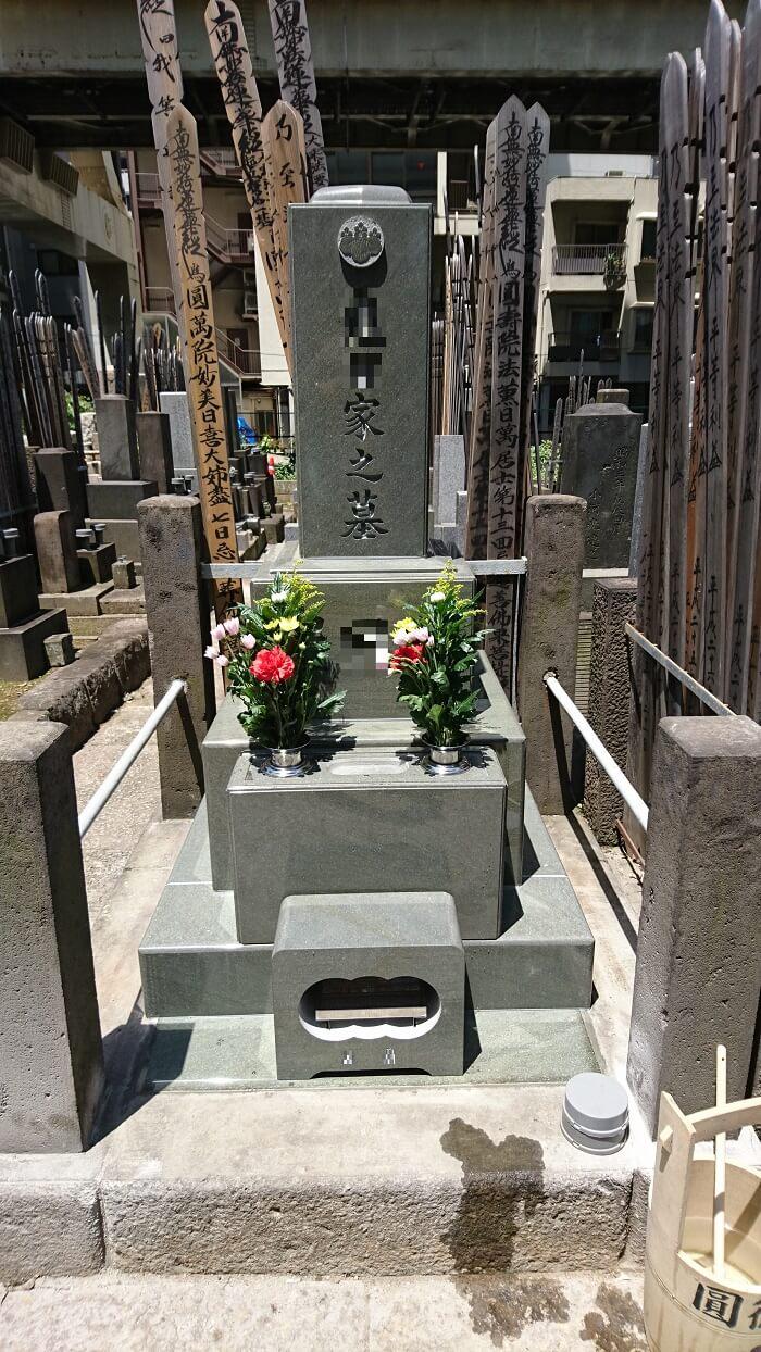 本小松石 和型墓石 東京都墓地 2018080902