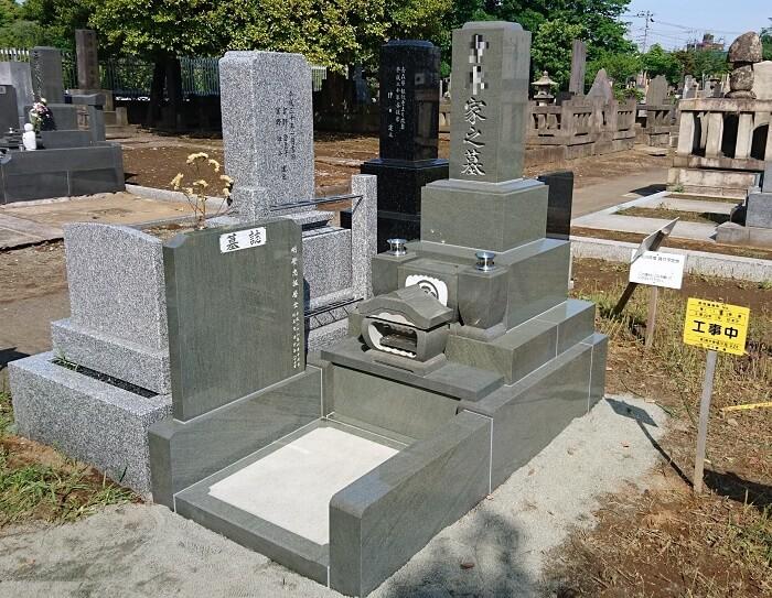 父の故郷の石で立派なお墓を建てることができました