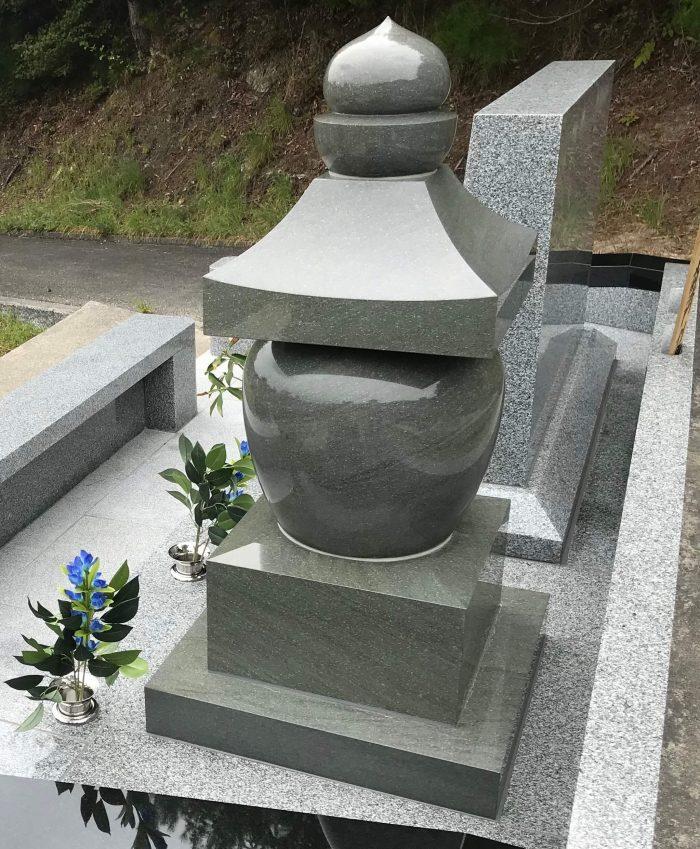 墓石 本小松石五輪塔 ひがしひろしま墓園(広島県)2018090204