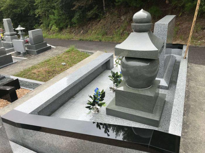 墓石 本小松石五輪塔 ひがしひろしま墓園(広島県)2018090206